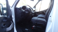 Nissan-NV400-8