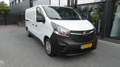 Opel-Vivaro-1