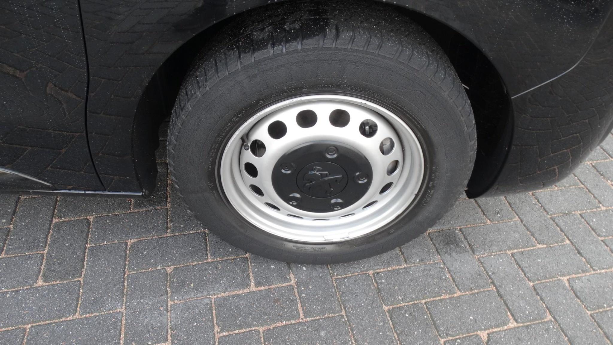 Peugeot-Expert-21