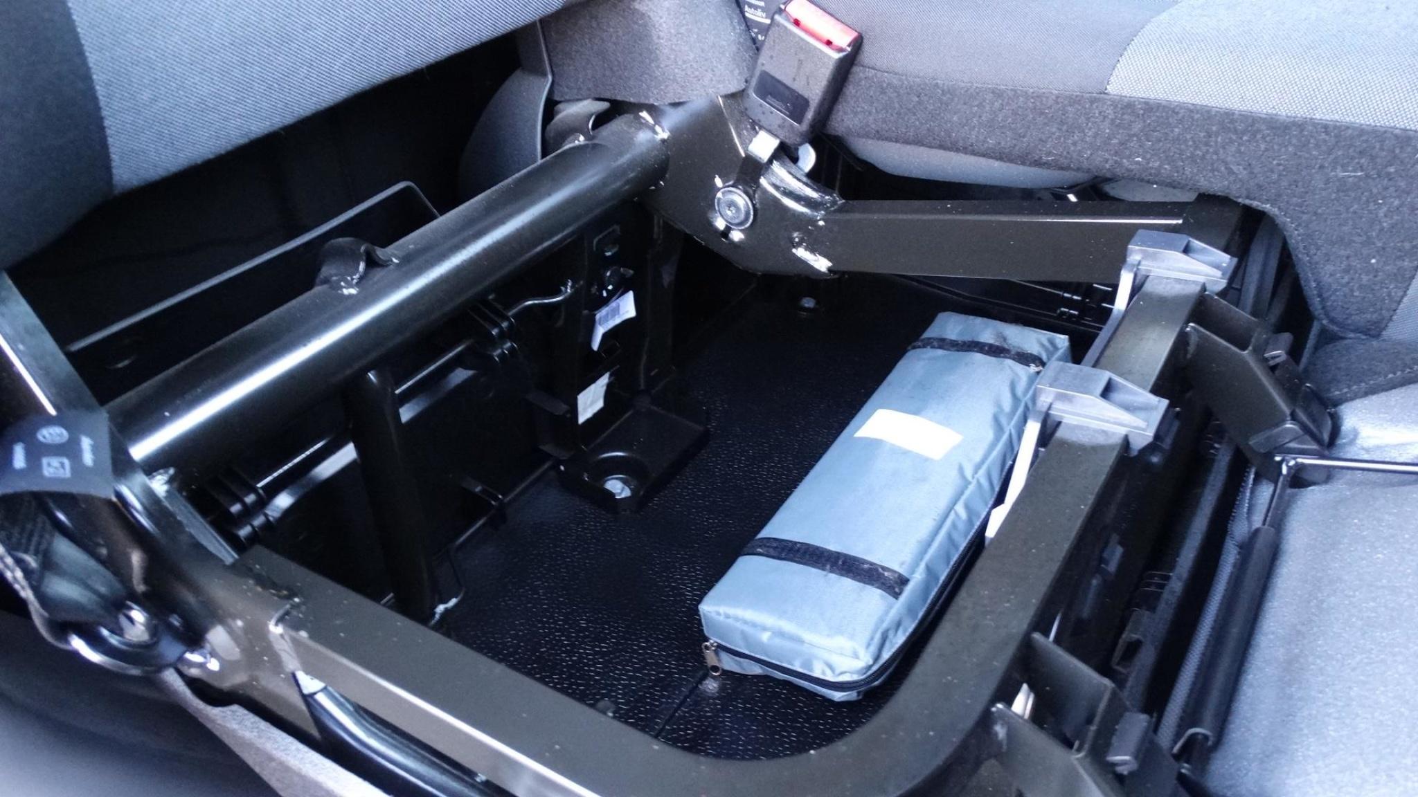 Nissan-NV400-22