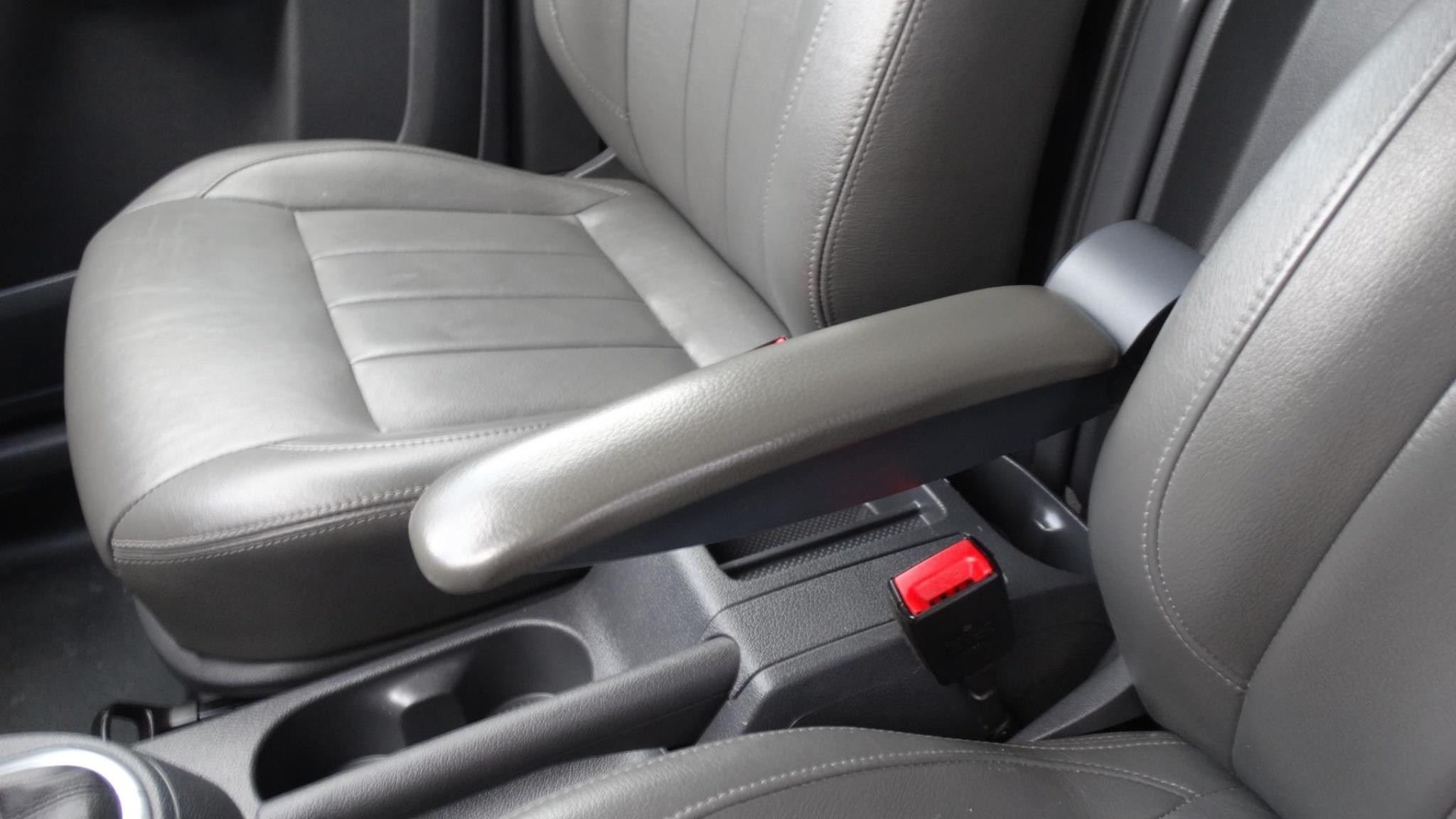 Volkswagen-Caddy-23