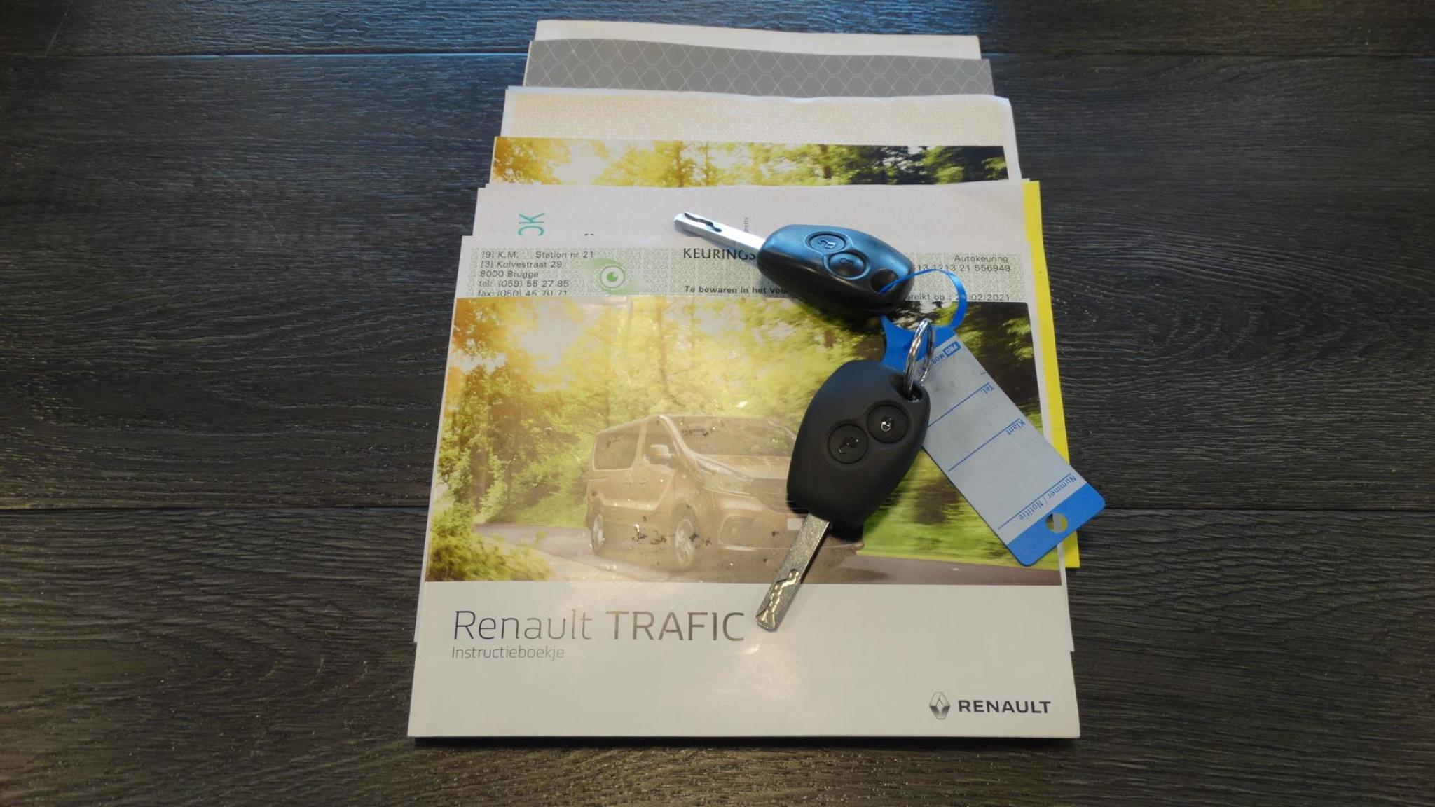 Renault-Trafic-21