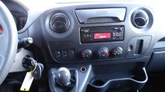 Nissan-NV400-12