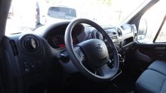 Nissan-NV400-10