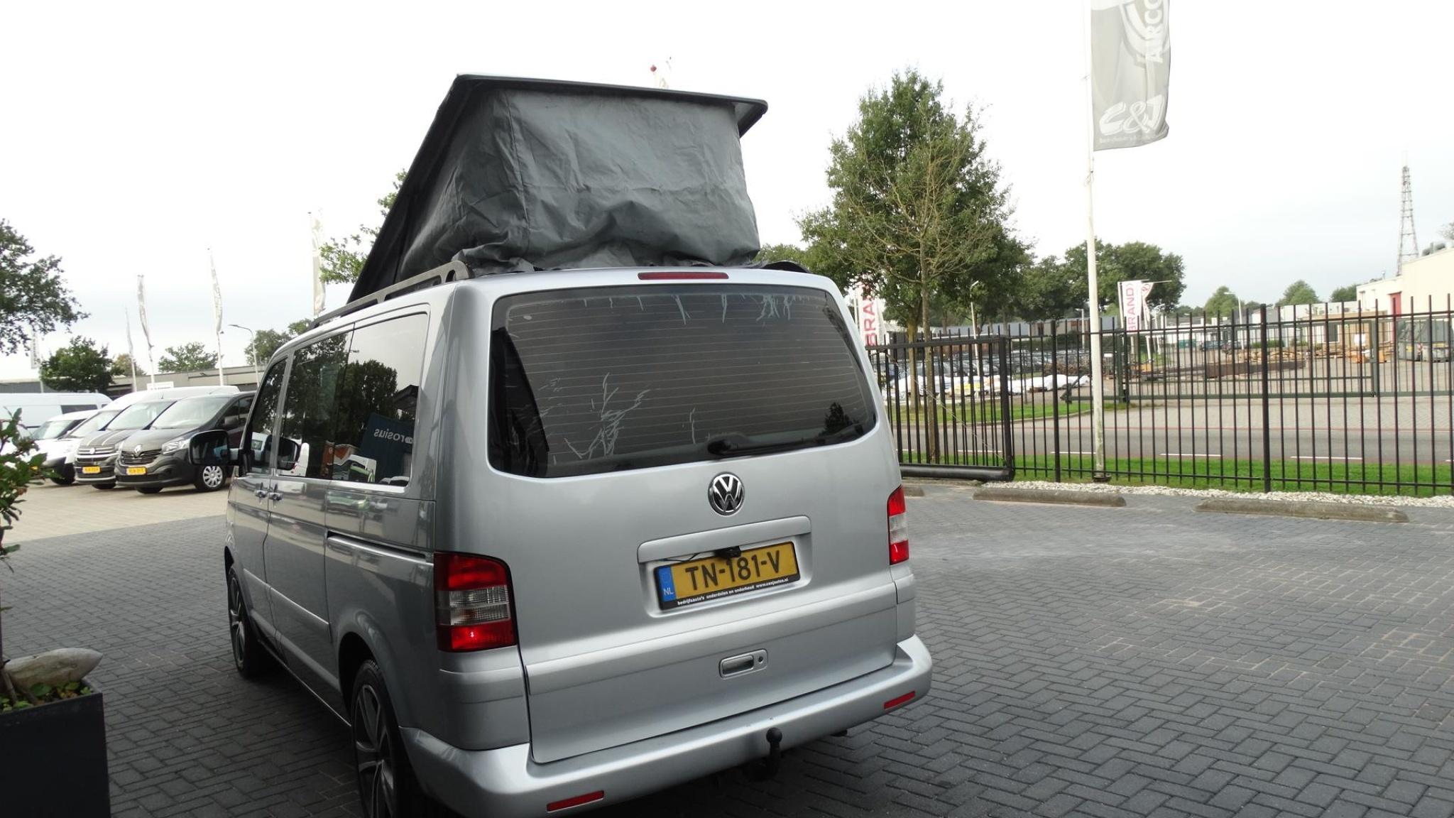Volkswagen-Camper-11